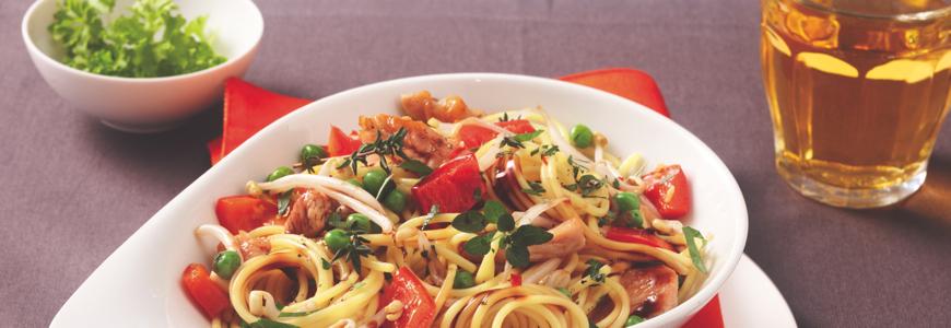 spaghetti mit poulet la kikkoman kikkoman schweiz. Black Bedroom Furniture Sets. Home Design Ideas